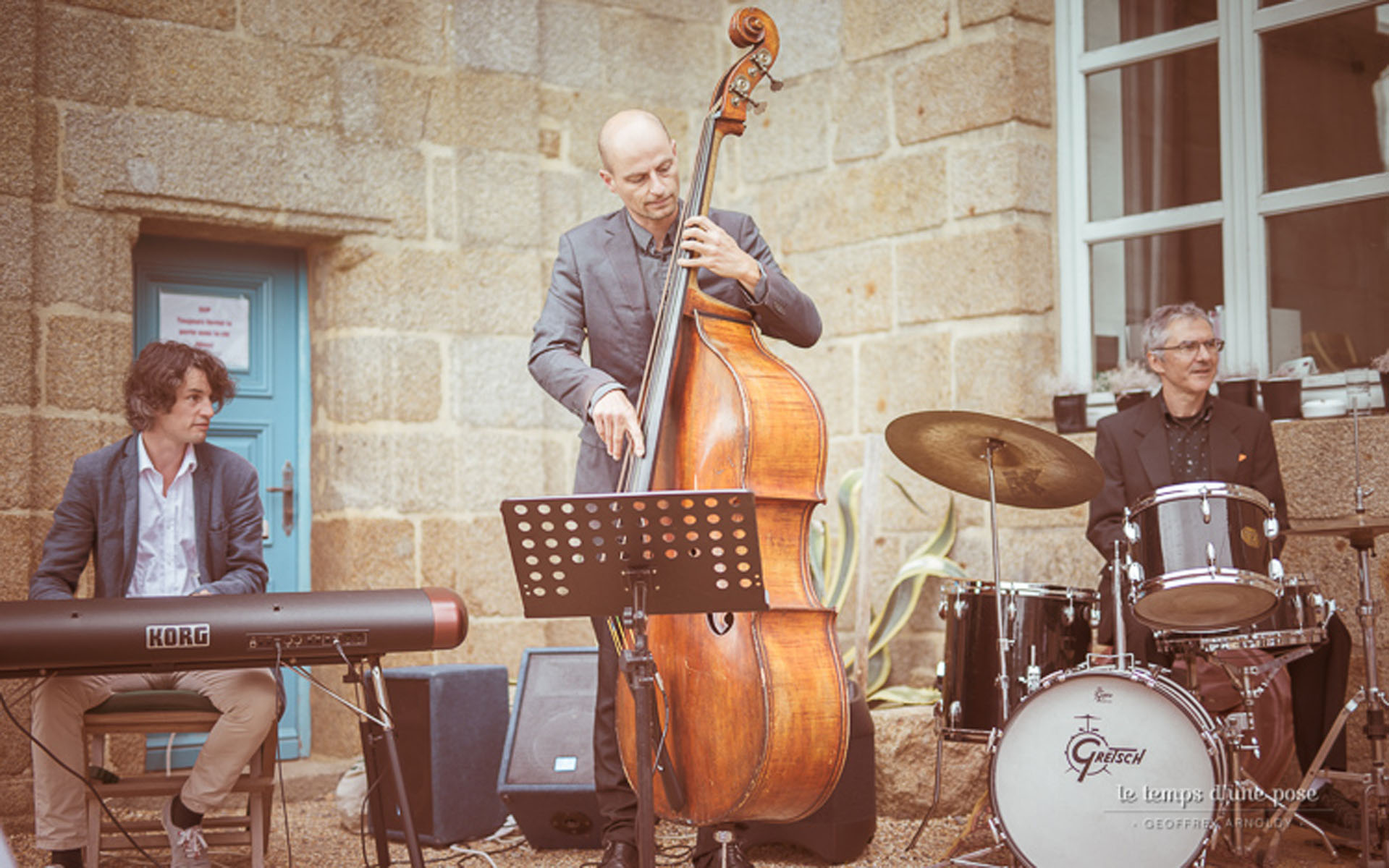 3/Mariages/groupe-musique-jazz-cocktail-mariage.jpg